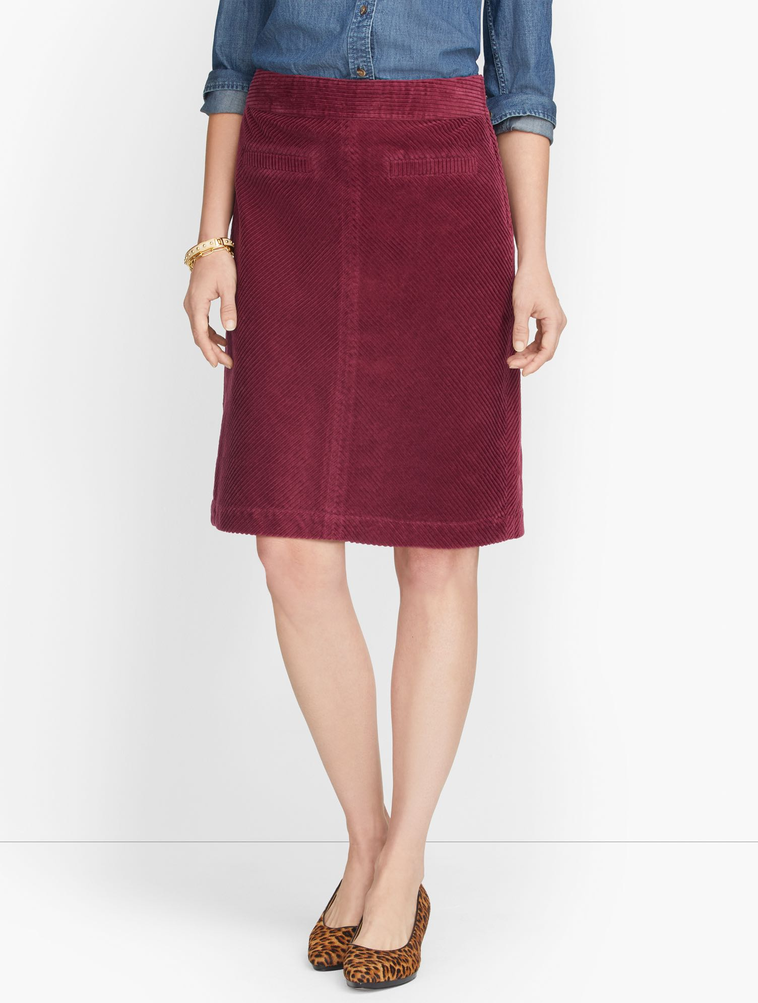 The classic A-line skirt. In lustrous wide wale corduroy. Plush. Warm. Incredibly versatile. The season\\\'s must-have. Features Silhouette: A-lineHits: Top of KneeClosure: Side zipPockets: Front WeltImported Fit: Misses: 20 1/2 inches; Petite: 19 1/2 inches Material: 100% Cotton Care: Machine Wash; Tumble Dry Wide Wale Corduroy Skirt - Shiraz - 16 - 100% Cotton Talbots